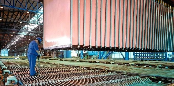 Instalaciones de Atlantic Copper en la avenida Francisco Montenegro.