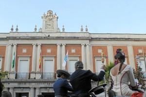 Acto con la Hermandad de Huelva en la plaza de Constitución. (Celia HK)