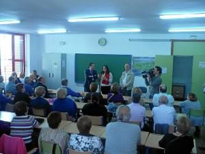 Un momento del encuentro del presidente de la Audiencia en el Centro Social Lazareto.