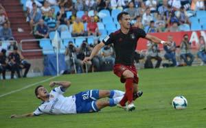 Linares, en su partido ante el Zaragoza. (www.recreativohuelva.com)