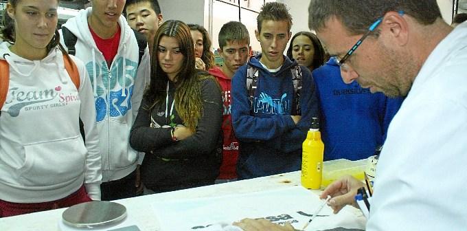 Estudiantes durante la visita.