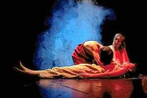 Escena protagonizada por Tiflonuba Teatro.