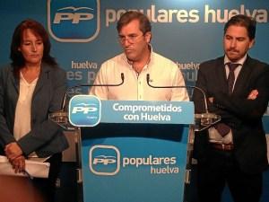 Responsables del PP de Isla en rueda de prensa.