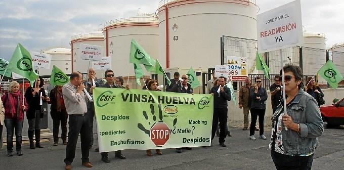 Protesta del sindicato CSIF por el despido de un delegado en Vinsa.