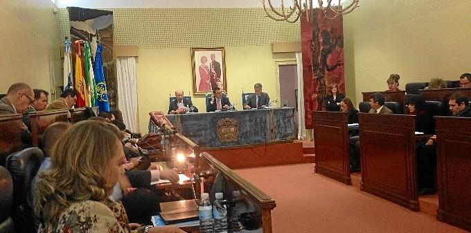 Pleno celebrado este lunes en la Diputación de Huelva.