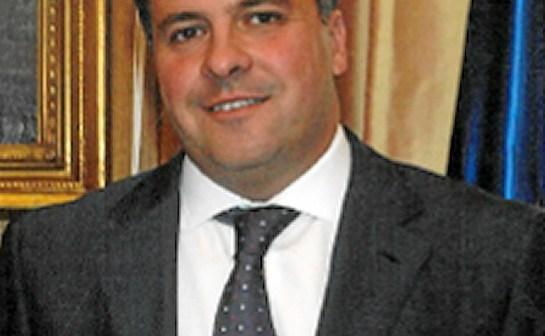 Alcalde de San Juan del Puerto.