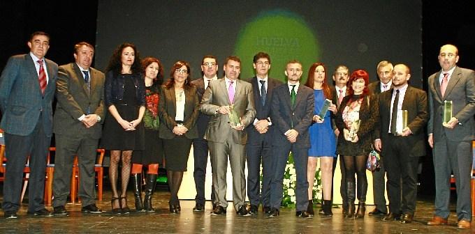 Los galardonados en Huelva con motivo del 28-F.