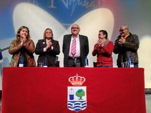 Isabel Lopez, Maria Luisa Faneca, Raul Aponte y Vicente Gey aplauden a Paco Bueno