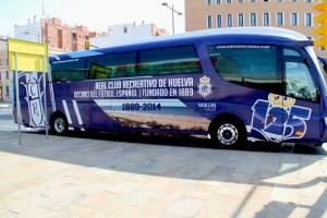 Nuevo autobús del Recreativo de Huelva.