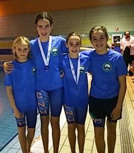 Equipo alevín femenino del Club Natación Huelva.