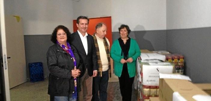 El Alcalde de Gibraleon entrega 2 Toneladas de Alimentos para el Sahara
