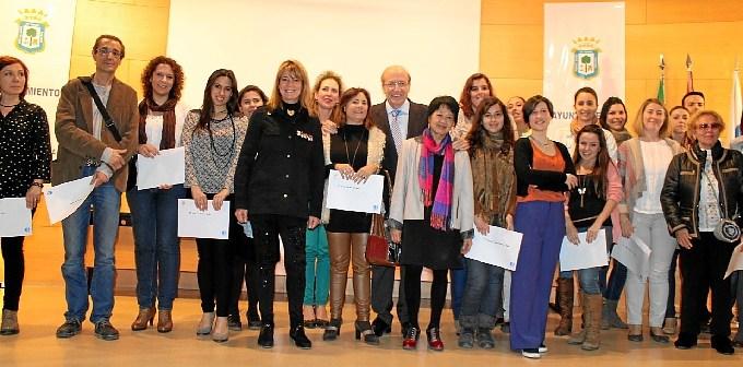 Entrega diplomas Curso Chino (1)