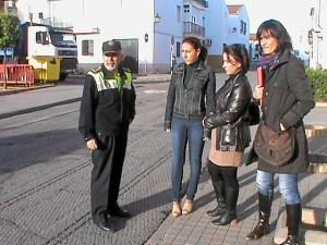 durante la visita a la barriada Osario