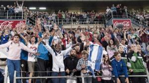 Aficionados del Recreativo de Huelva en el Nuevo Colombino.