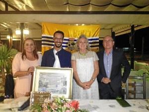 Comenzando por la izquierda, la Alcaldesa, el presidente del Laud, la presidenta de la asocacion Amigos de Isla Cristina y el vivepresidente del Laud