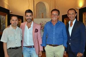 Z4. LOs artistas junto a los pintores Gabel y Juan Vazquez.