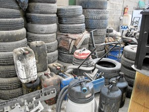 coches taller ilegal Huelva 038