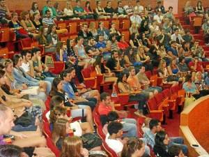 Imagen de archivo del recibimiento por la UHU de los alumnos erasmus.