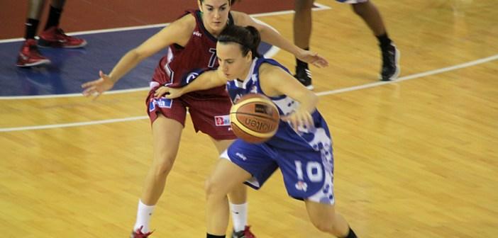 Judith presiona a María Asurmendi en el Gernika-CB Conquero.