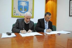 firma convenio consejero Turismo (9)