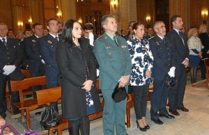 Autoridades durante el oficio religioso