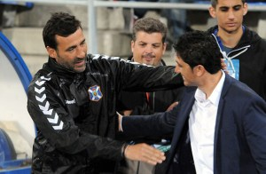 Raúl Agné saludando a Juanma Pavón. (Espínola)