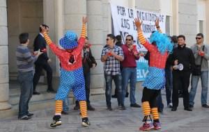 protesta funcionarios huelva payasos-002 (1)