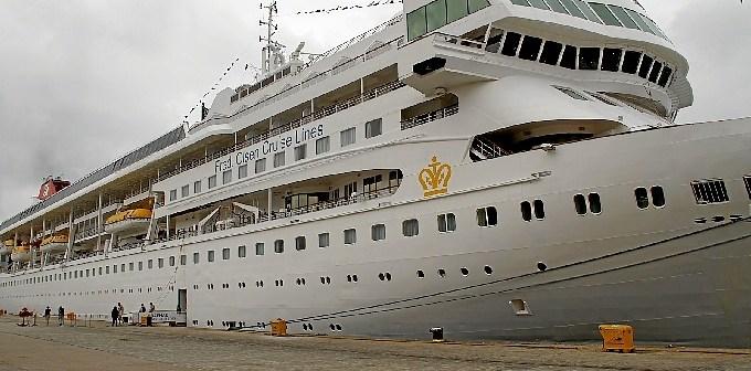 Imagen de archivo de uno de los cruceros que han pasado por el puerto de Huelva.