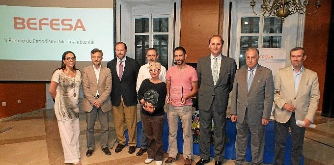Autoridades y galardonados en la entrega del II Premio Befesa de Periodismo Medioambiental