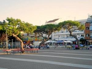 Plaza 26 de Abril.
