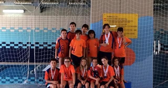 Equipo benjamín del Club Natación Huelva.