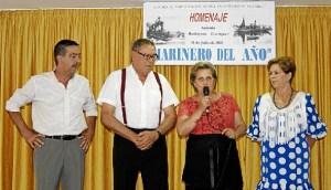 La Alcaldesa dirige unas palabras a los asistentes y al homenajeado
