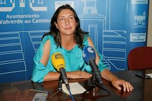 loles lopez anuncia medallas de oro en Valverde-078