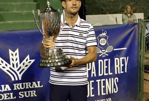 Guillermo García López, ganador de la 90 Copa del Rey de tenis.