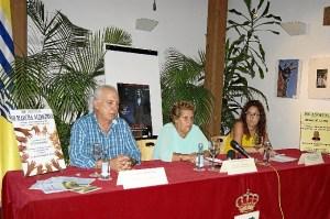 Manuel Ortiz, Antonia Grao y Nerea Ortega durante la presentacion