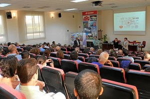 725-personas-visitan-instalaciones-Cepsa-Huelva-IX-Jornadas-PPAA