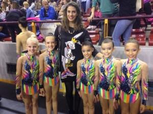 Benjamines A con la gimnasta del equipo nacional Loudes Mohedano.