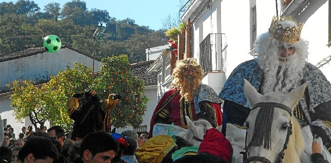 Cabalgata Reyes Puerto Moral (4)
