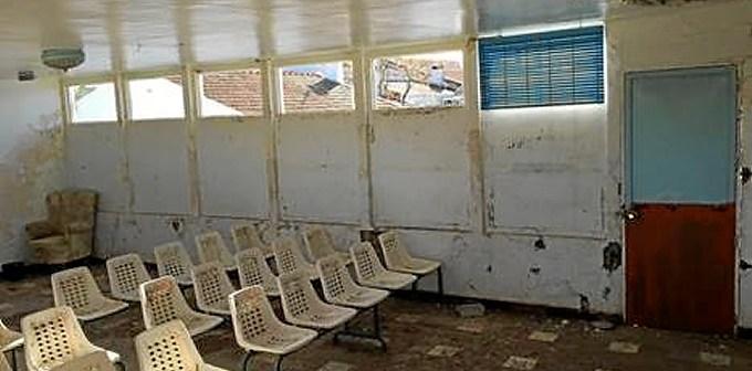 Estado en el que están las antiguas escuelas en la aldea de Las Delgadas.