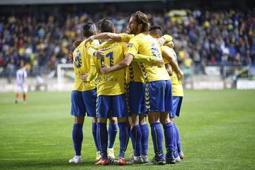 Jugadores del Cádiz celebrando uno de los goles ante el Recreativo (Cristo García)