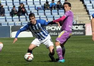 Dani Molina estuvo muy activo ante el Jaén. (Espínola)