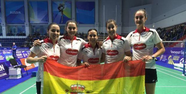 Carolina Marín y Haideé Ojeda con la Selección Española de bádminton.