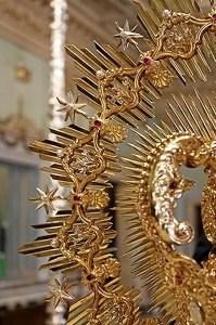 Nuevos varales y corona para la Virgen del Refugio (6)