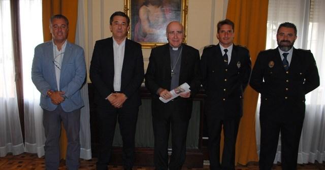 Comité Organizador de Huelva 2016 con el obispo José Vilaplana.