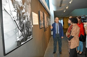 14 abril- Exposic Foto Inmigrantes Palestinos 017