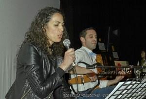 Carla Sabino sorprendio con su voz.....