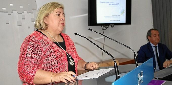 conferencia Clara Aguilera 01