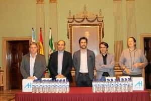 Entrega Botellas Hermandades Aguas de Huelva 004