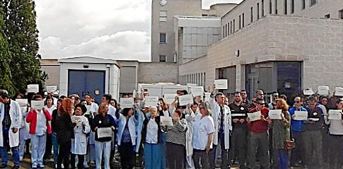 Protestas en Urgencias en el J.R.Jimenez001HY