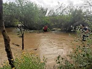 rescate bomberos arroyo Almonte (1)